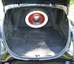 1940 Ford Deluxe trunk