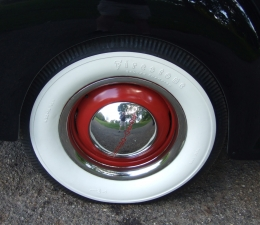 1940 Ford Deluxe Wheels & Tires