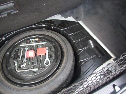 2003 Mercedes-Benz Trunk 9 Pictures