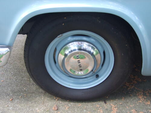 1954 Ford Customline Tudor Sedan Tires and Wheels 8 Pictures